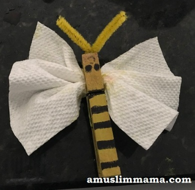 cloths-pin-honey-bee-craft (1)