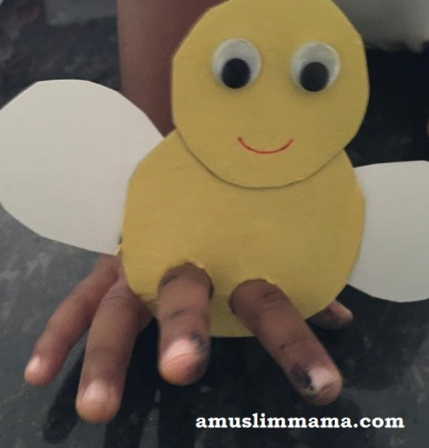 honey-bee-finger-pupper (1)