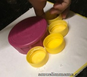 toddler flower craft bottle-caps (3)